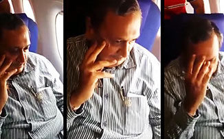 Una joven india escracha a su acosador en pleno vuelo