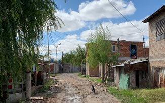 Una tarde en Villa Itatí, el barrio que apuesta a crecer en comunidad