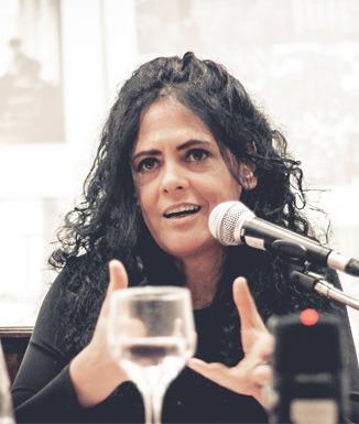 """Paula Sibilia: """"Hay necesidad de mostrar, de hacer un show del yo"""""""