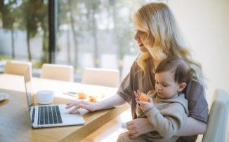 El arte de combinar familia y trabajo en casa